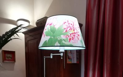 To each house its lampshade!