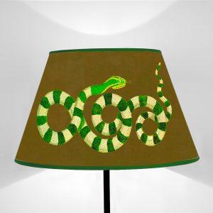 Serpenti Verdi fondo Marrone