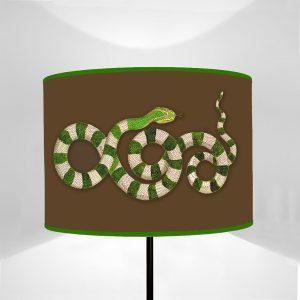 Fauna Serpente Verde fondo Marrone