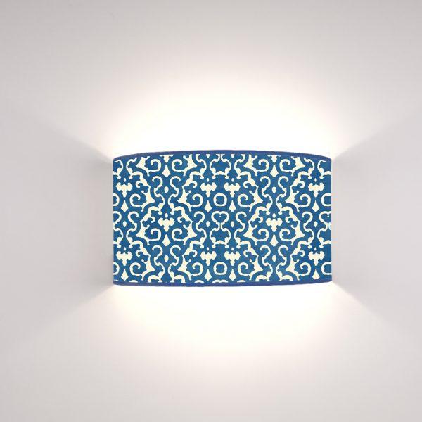 Arabesco Blu su fondo Crema